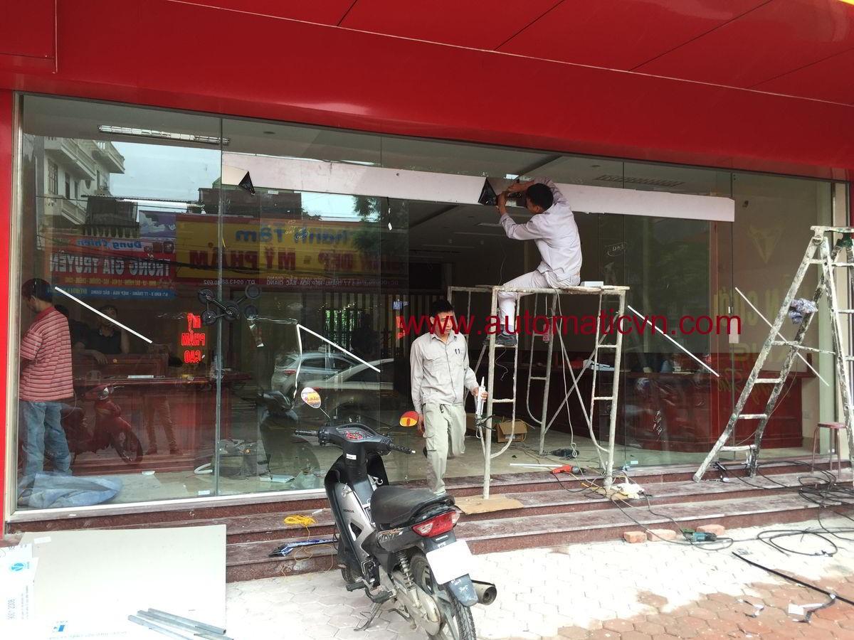 Lắp cửa kính tự động tại Bắc Giang ( Vàng bạc Thi Loan)